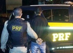 PRF prende foragido na BR 470