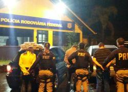 PRF prende três e apreende drogas na BR-470 em Beno