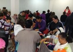Gabinete da Primeira Dama entrega agasalhos no bairro Zatt em Bento