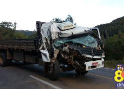 Acidente envolve dois caminhões na ERS-446 em Carlos Barbosa
