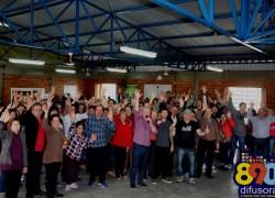 Mateada de confraternização da Rádio Difusora reúne comunidade na Cohab em Bento
