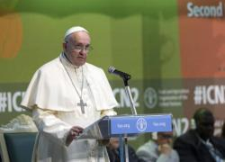 Papa Francisco doa 25 mil euros para o combate à fome na África