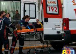 Acidente no centro de Bento deixa motociclista ferida