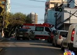 Pedestre fica gravemente ferido após ser atropelado no Centro de Bento