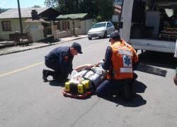 Casal de motociclistas fica ferido em acidente no São Roque em Bento