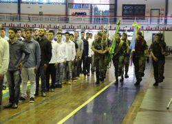 Jovens da classe de 1999 prestam Juramento à Bandeira em Garibaldi