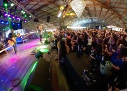 Balada Reggae garante o sucesso do terceiro fim de semana da Fenachamp