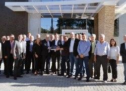 CIC-BG, Sindmóveis e Movergs recebem chaves do Centro Empresarial de Bento