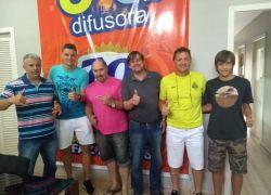 Bento-gonçalvense Andrei Girotto, do Nantes da França, visita Rádio Difusora