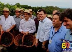 Ato realizado em Nova Pádua abre oficialmente a colheita da uva no RS