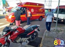Colisão entre moto e carro na Osvaldo Aranha deixa ferido em Bento