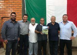 """Obra que conta memórias do """"Vale do Buratti, História e Vida"""" é lançada"""