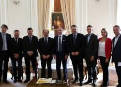 Comitiva formaliza convite ao governador para lançamento da Feira Internacional do Vinho
