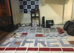 Fábrica ilegal de placas veiculares é fechada em Caxias do Sul