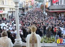 Mais de 15 mil devotos reforçam a fé na 140ª Festa de Santo Antônio em Bento