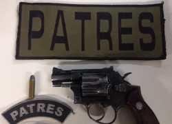 Homem é preso por posse de arma no bairro São Roque em Bento