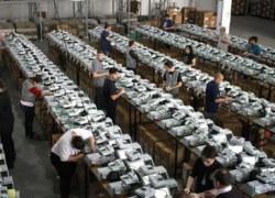 Urnas eletrônicas são encaminhadas para os locais de votação em todo o estado