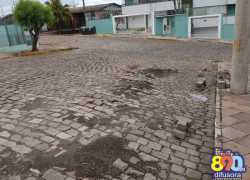 Moradores do bairro Glória, em Bento, pedem melhorias na pavimentação das ruas