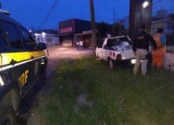 Motorista embriagado bate carro carregado com GLP em Caxias do Sul