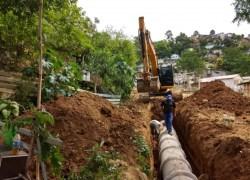 Secretaria de Obras instala nova tubulação de esgoto no bairro Vila Nova II em Bento