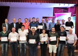 Fecovinho promove colação de grau a associados da Cooperativa Nova Aliança