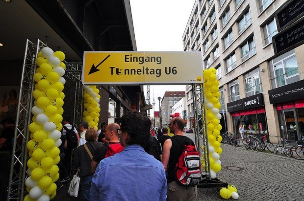 BVG U6 Tunneltag Eingang an der Friedrichstraße