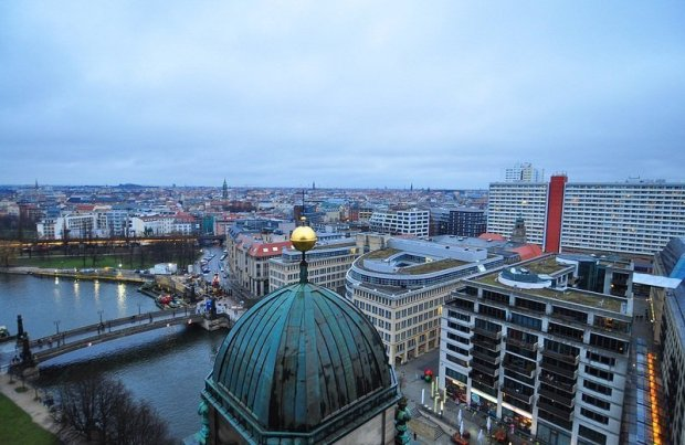 View over Burgstraße and the Smaller cupola