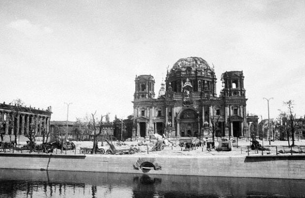 The Berliner Dom in May 1945