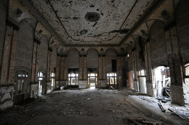 abandoned ballroom in grünau berlin