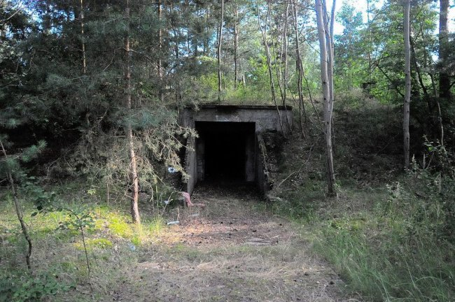 hidden bunker entrance oranienburg