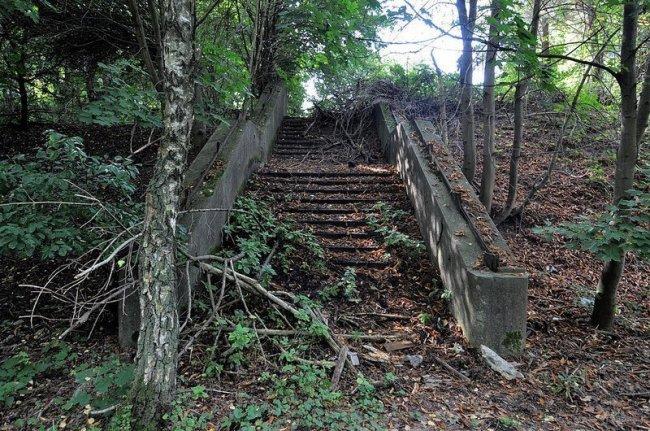 abandoned sbahn stairs dreilinden germany