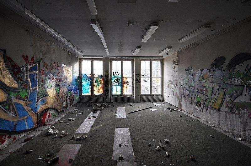 empty office abandoned anatomy school berlin