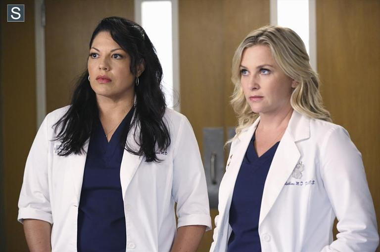 Sara Ramirez & Jessica Capshaw in Grey's Anatomy S11E01: 'I Must Have Lost It On the Wind'