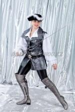 1225. Пиратка в серебряном жилете