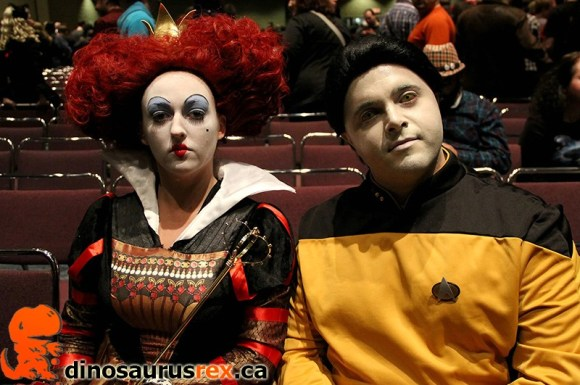 Cosplay Alice in Wonderland and Star Trek Data