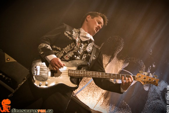 the-hives-phoenix-concert-theatre-2013-5