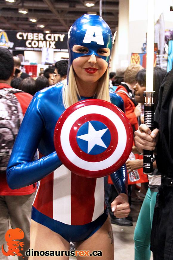 captin-america-chick-avengers-cosplay-spandex.jpg