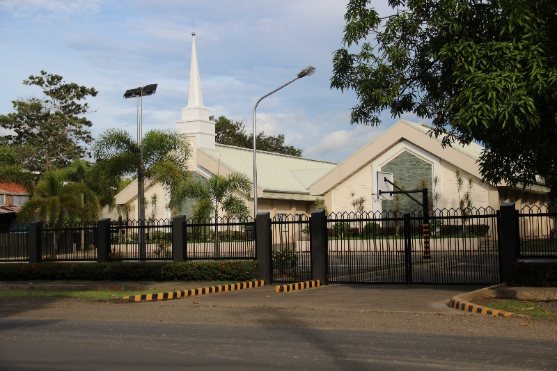 Mormons Church, Galas