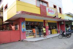 Julie's Bakeshop – Galas