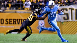 Tennessee Titans running back Derrick Henry (22) plays in an NFL football game against the Pittsburgh Steelers in Pittsburgh, Thursday, Nov. 16, 2017, in Pittsburgh. (AP)