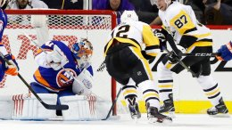 Pittsburgh Penguins' Sidney Crosby (87) reacts after scoring a goal during the second period of an NHL hockey game as New York Islanders goaltender Jaroslav Halak (41) watches Friday, Jan. 5, 2018, in New York. (AP)