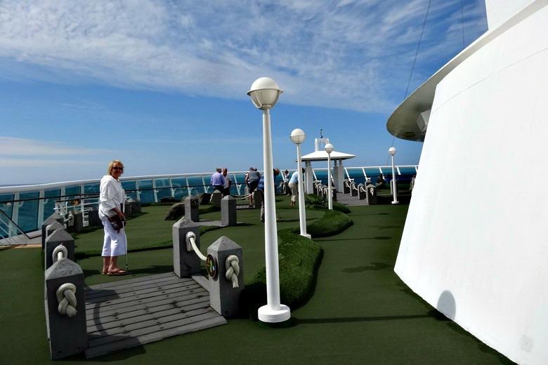 Mini gulf on the Adventure of the Seas