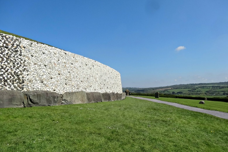 Ireland's Mysterious Monuments of Knowth and New Grange
