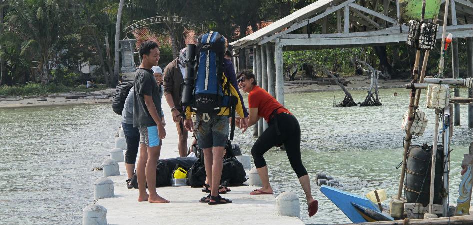 Hitchhiker Indonesia biawak island