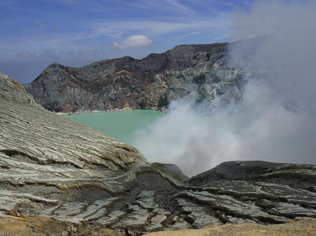 ijen crater best view