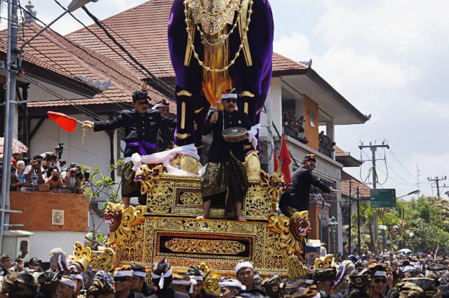 lembu puri agung - royal cremation ubud
