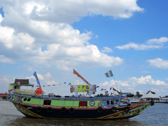 musi triboatton mother boat