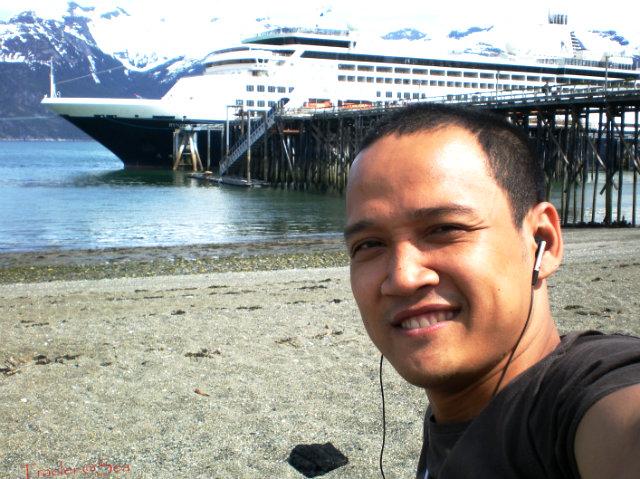 traveler at sea (3)