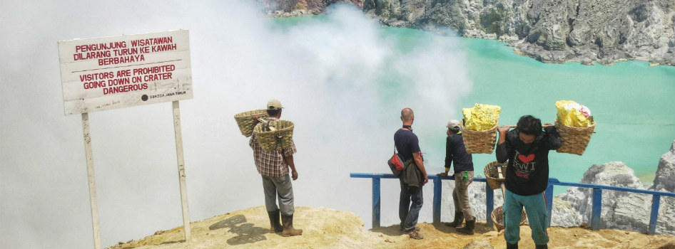 ijen down to crater 1