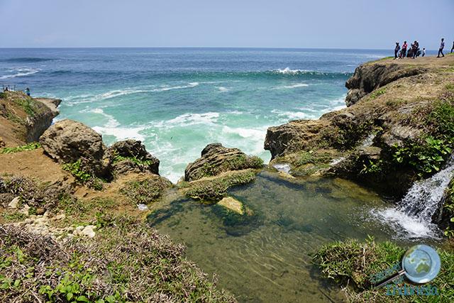 banyutibo beach pacitan indonesia